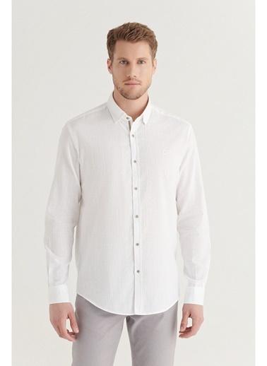 Avva Avva Erkek Açık Mavi Düz Alttan Britli Yaka Regular Fit Gömlek Beyaz